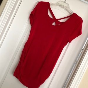 Comfy red maternity tee